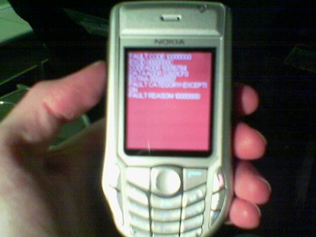 http://simonwoodside.com/weblog/images/2005/2005-04-14-redscreen.jpg
